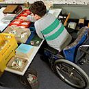 Arbeit in der Behindertenwerkstatt (Foto: dpa)