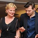 Stefanie Bier mit einem ihrer beiden professionellen Tanzpartner (Foto: Pasquale