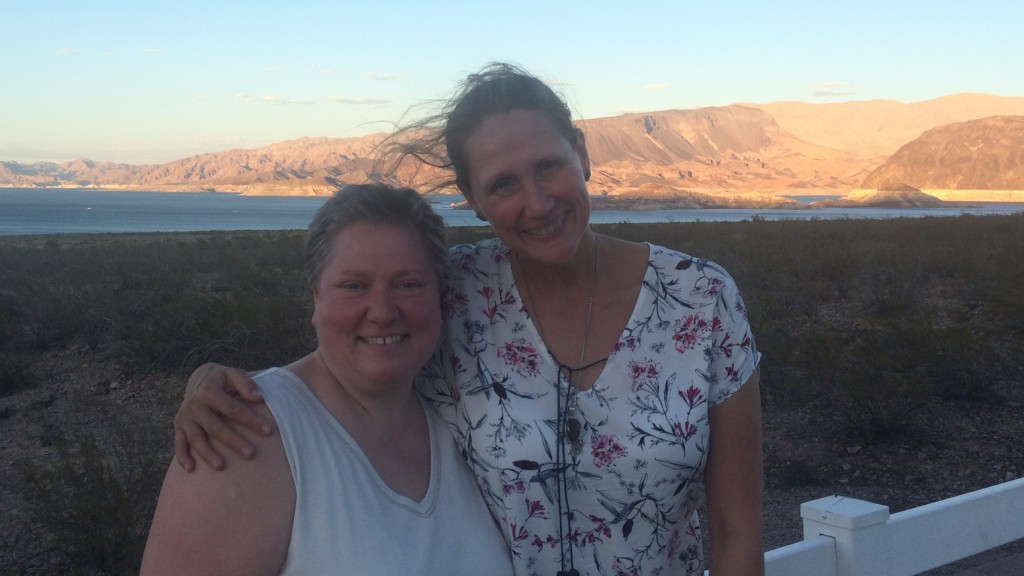 Andrea und Martina am Lake Mead (Foto: Oliver Hottong)