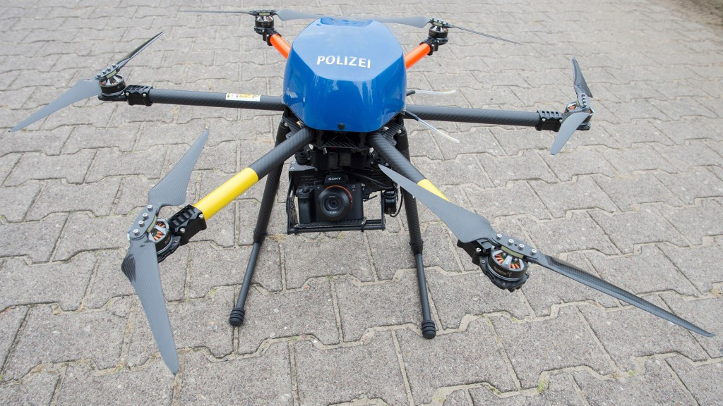Polizeidrohne (Foto: picture alliance/Paul Zinken)
