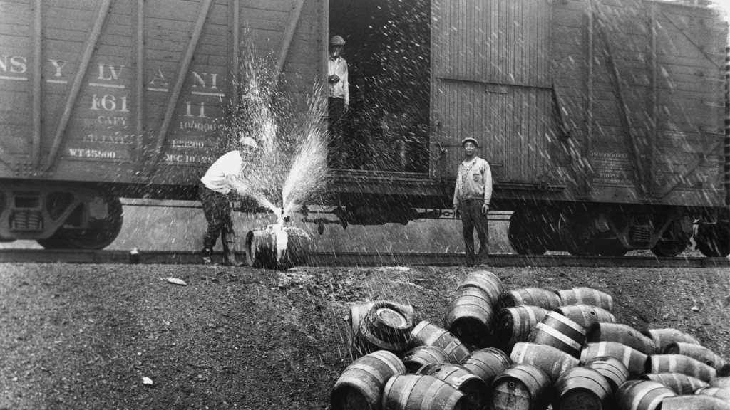 Symbolbild: Prohibition in den USA (Foto: picture alliance/-/UPI/dpa)